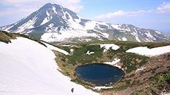 知床峠近く 天頂山の春