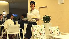 六花亭札幌本店5日オープン 焼きたて「大平原」提供