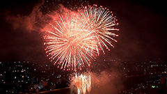 札幌で道新・UHB花火大会 夜空染める大輪4千発