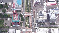 ビル街貫く緑とアート 札幌・創成川公園<道央夏空を行く>