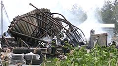 白石区の作業場全焼 倉庫も焼く