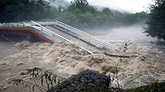 橋崩落やゴルフ場水没 常呂川氾濫 北海道各地で大雨被害